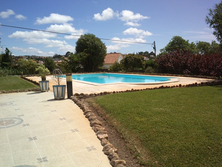 A Mouros House with swimming pool | Ericeira
