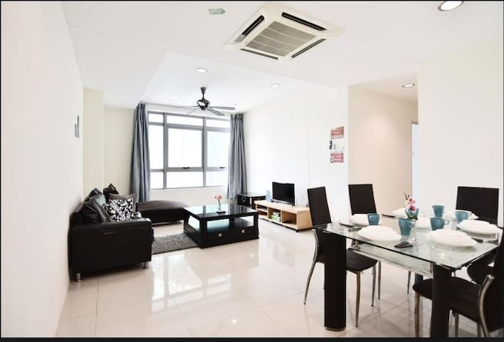 ⭐Bright & Cozy space in the heart of Kuala Lumpur⭐