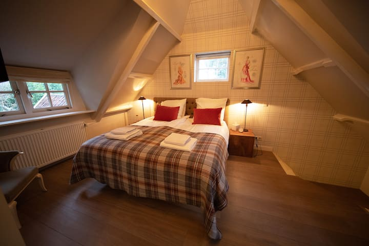 Bedroom TWO with ensuite bathroom