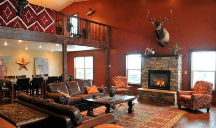 Arista Ranch Lodge-Country Setting....