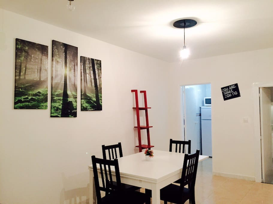 Living room, with extensible table