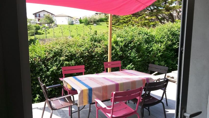 Petite maison avec terrasse plage à pied + piscine - Bidart - Casa