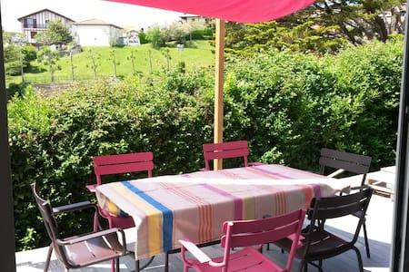 top 20 des locations de vacances bidart locations saisonni res et location d 39 appartements. Black Bedroom Furniture Sets. Home Design Ideas