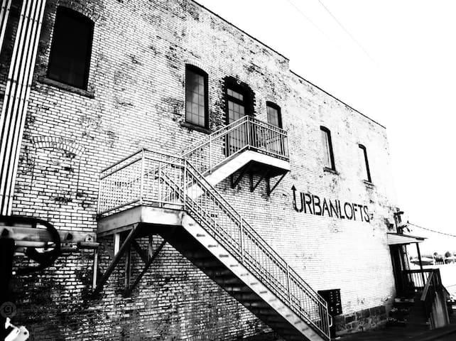Urban Loft w/ Balcony above BrewCo & RestaurantWS2