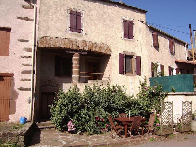 Gîte authentique tout confort 4/8 personnes - Belmont-sur-Rance - Casa
