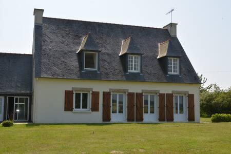 Large 5 Bedroom House, Jugon-Les-Lacs, Nr Dinan