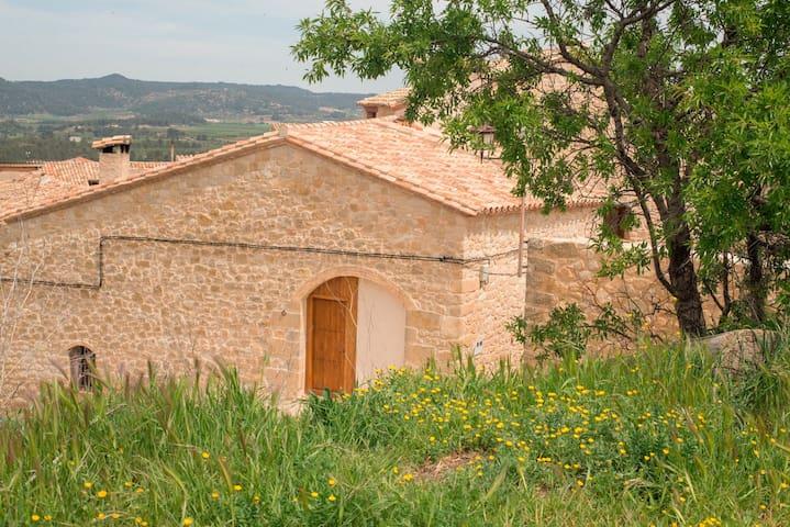 Pajar restaurado en piedra y madera - Lledó - Casa