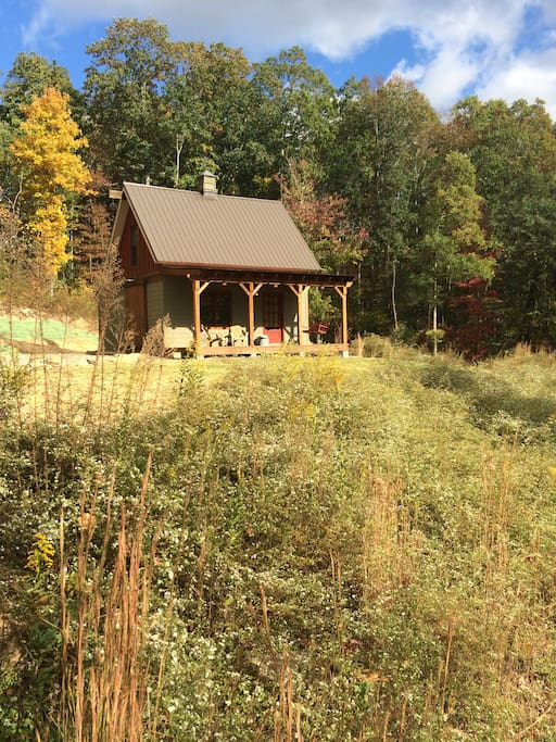 Sparrows Nest - Secluded Cabin in the Blue Ridge Mountains, with serious barn love! Just 20 min. from downtown Chattanooga