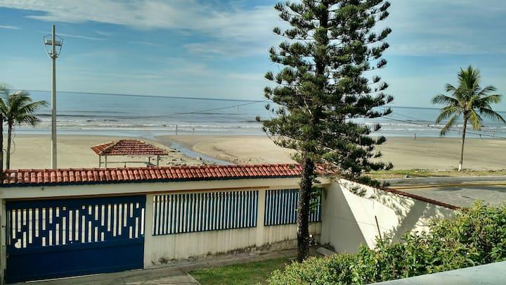 Casa de frente para o mar -  praia Itaóca Mongaguá