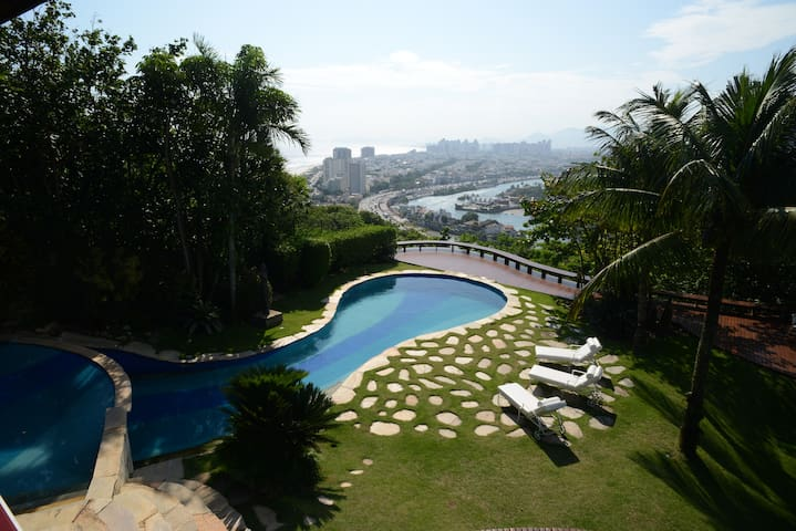 Rio591-Mansion in Joa with swimming pool