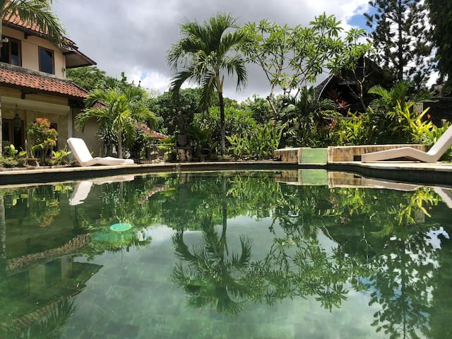 Quiet Private Wooden Villa with Pool in Legian