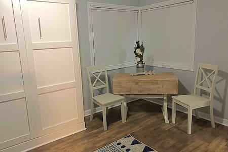 Studio Apartment in the Heart Of Pendleton