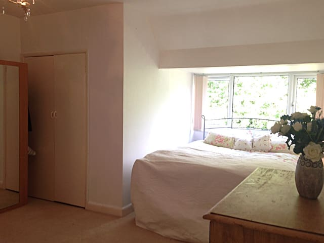 Master bedroom with dressing room and en suite.