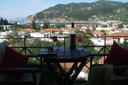 Δικλινο δωματιο θεα βουνο θαλασσα. - Skopelos