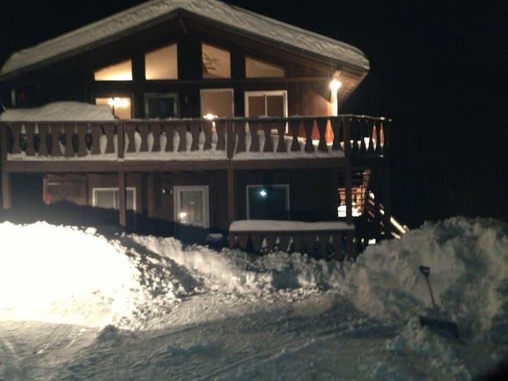 Ski House Season Rental $10,000.00. 5 min to Mtn.