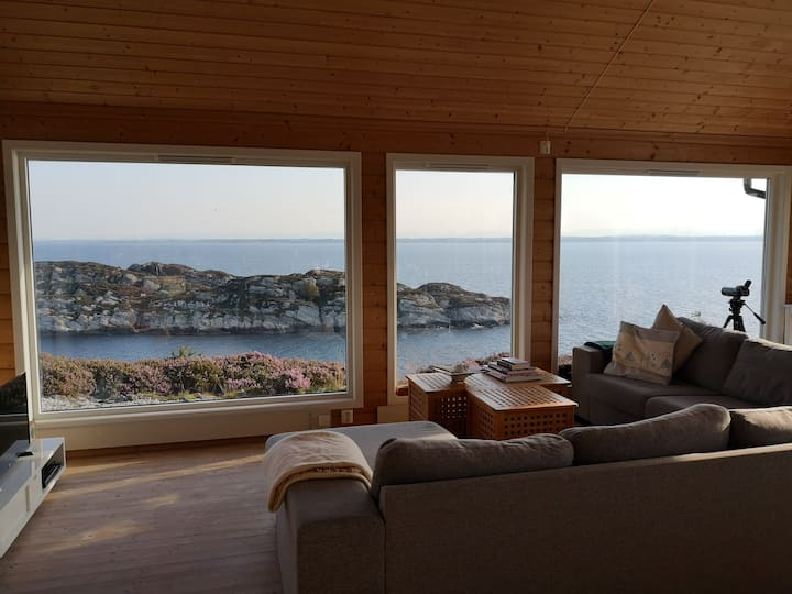 Tranquil and cosy at the edge of Norway