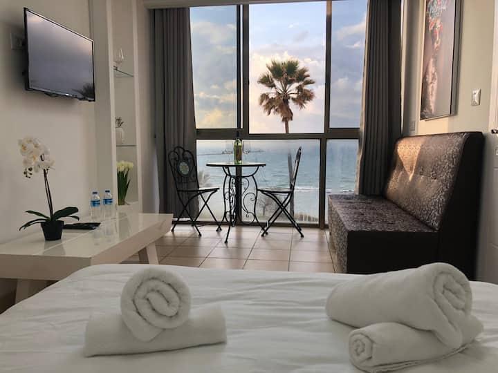 Sea Line Hotel 8