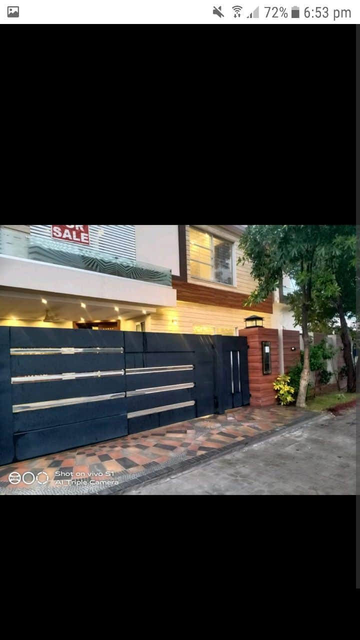 Newly constructed house upper portion available..
