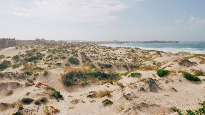 PENICHE 123 - 1min walk to the beach!