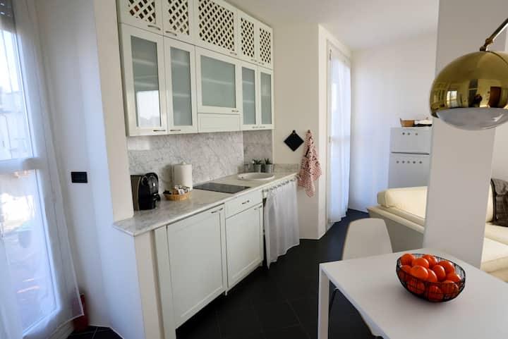 Cozy & interesting one bedroom apartment! Mid Mod