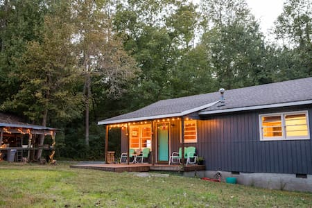 Amazing PRIVATE 2 Bedroom Cabin Close to Downtown - Chapel Hill - Blockhütte
