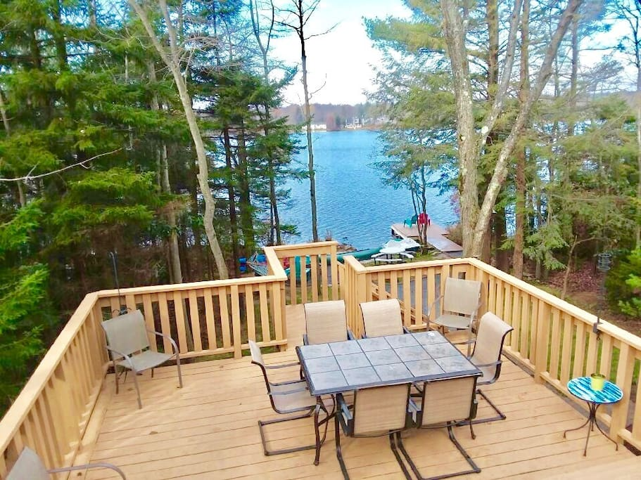 Large wrap around, 2-tier deck with extra seats and BBQ grill. Enjoy outdoor dining and the AMAZING lakeview!