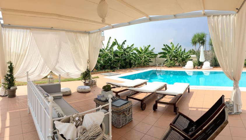 Villa Au Revoir - Feel warm and grounded