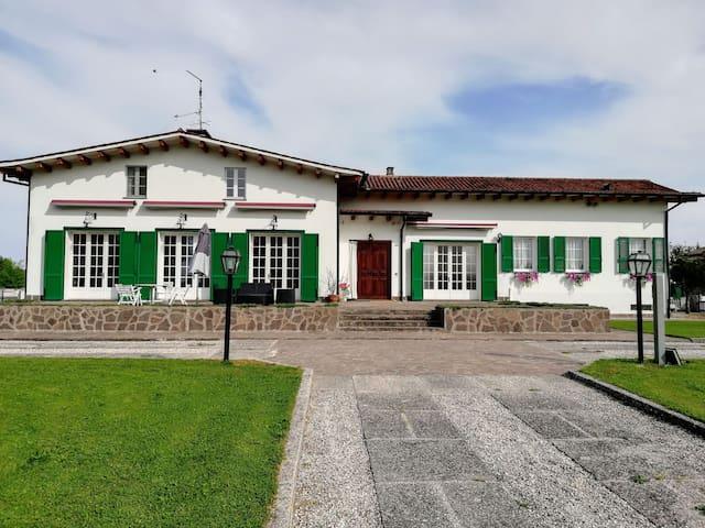 Double rooms in exclusive villa