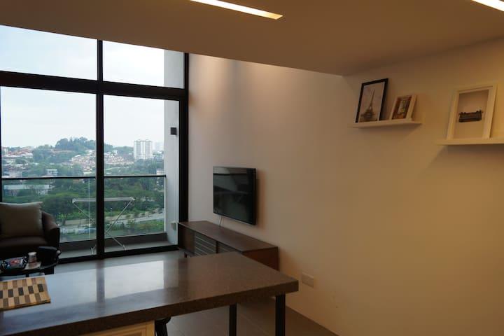 Cozy New LOFT Apartment In Front of Bangsar LRT