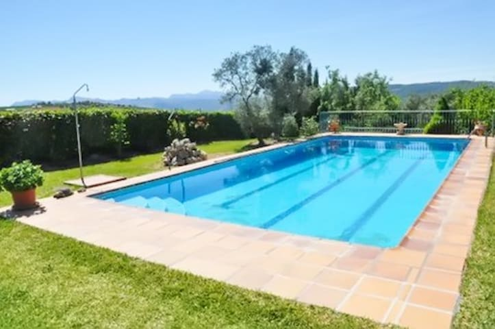 Adorable apartment w/ pool & garden - Arriate (Malaga Province) - Leilighet