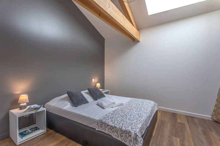 Cozy bedroom for 2