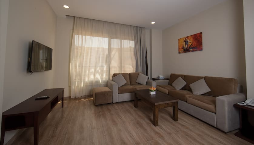 1 bed room flat with 1 large bed at THE HOME