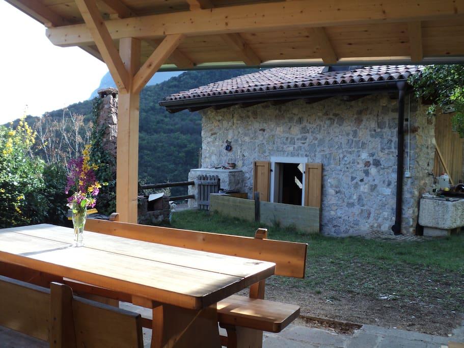 maisonette en pierre dans le bois chalets for rent in sarche trentino alto adige italy. Black Bedroom Furniture Sets. Home Design Ideas