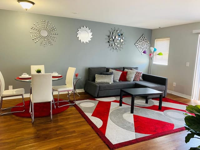 Fantastic Hollywood Blvd View (2br) Free Parking