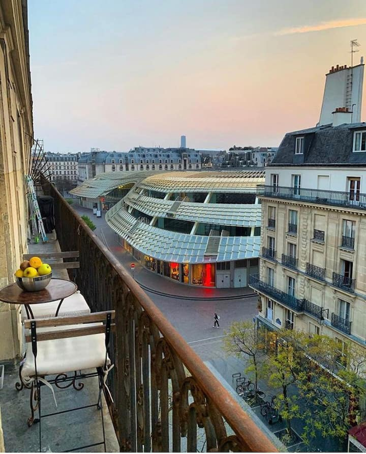 Your suite in Paris. Sunset balcony