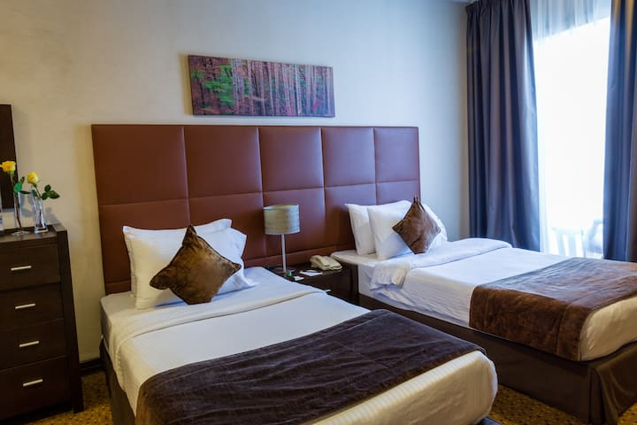 Kingsgate Hotel Doha - Deluxe Room Twin Bed