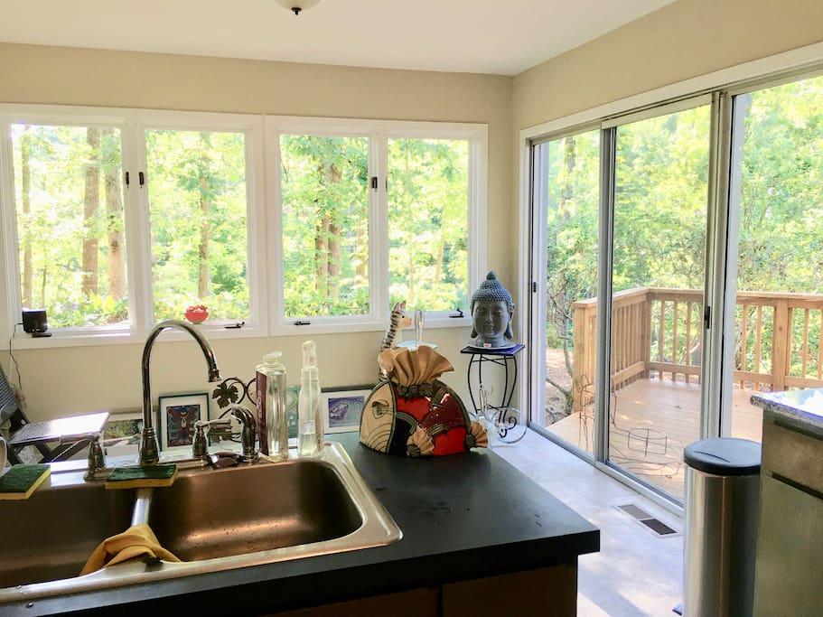 Kitchen nook with porch