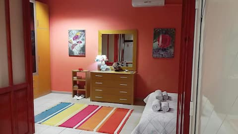 Cozy furnished apartment near airport