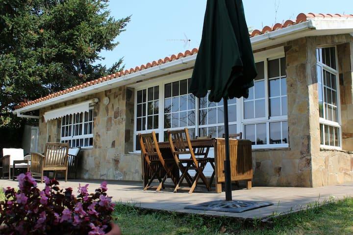 Casa Rural con encanto al lado de la playa - Perbes - Chalet