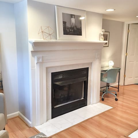 Bright 1 Bdrm in Heart of Shaw