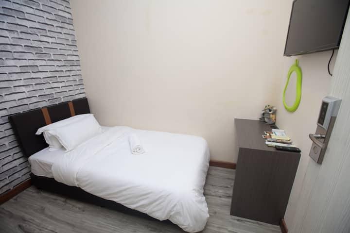 Natol Motel - Paris (*Single Room*)