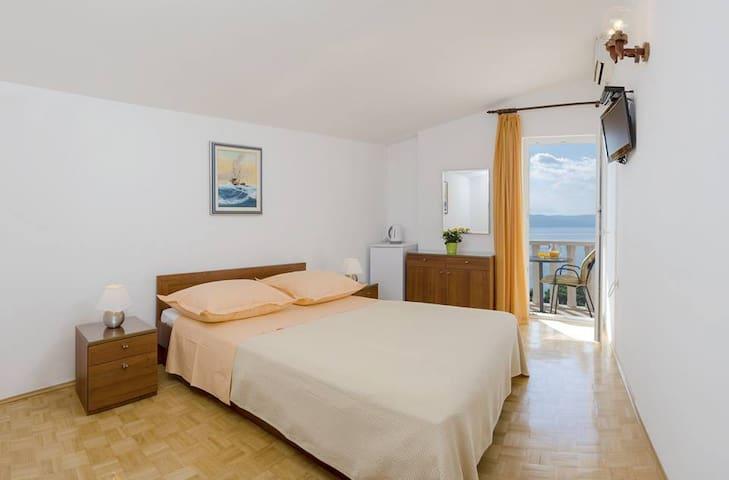 Lovely room for 2