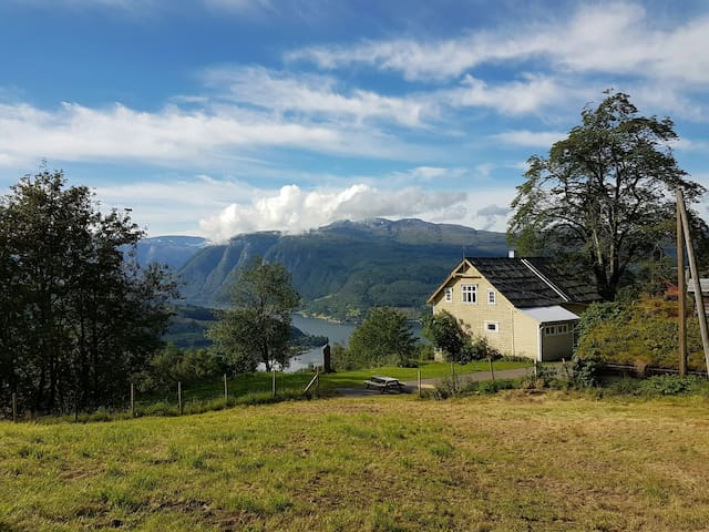 The sheepfarm at the end of the road - Ulvik - Casa