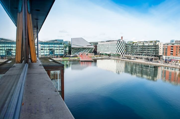 Stunning view over Grand Canal Dock - Dublin
