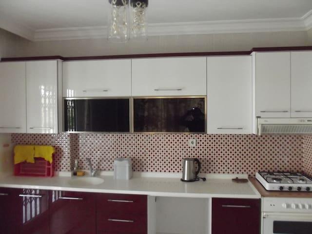 GAZLIGÖL KİRALIK VİLLA - İhsaniye - Villa