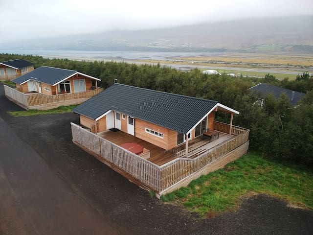 Charming Holiday Cabin in Akureyri with a hot tub