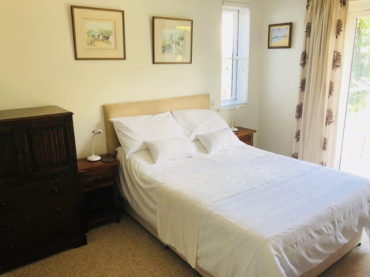 Lovely en suite double room just outside Newquay