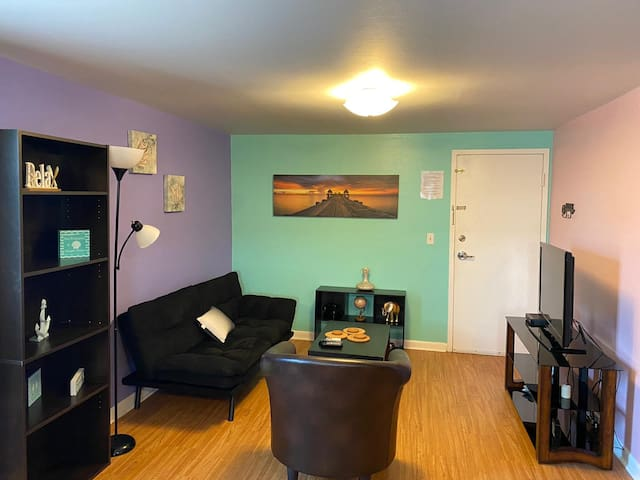 TIMES SQUARE  1BR A MINUTE AWAY FROM THE BEACH
