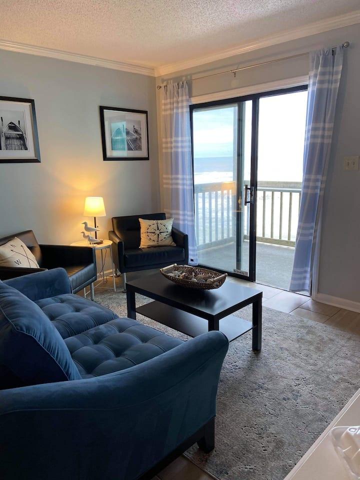 Relaxing Retreat- Ocean Front Condo