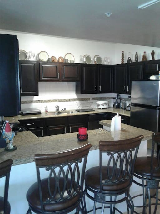kitchen area: George foreman grill, slow cooker, power pressure cooker xl, blender, coffee maker, good processor, dish washer, microwave, toaster oven, small deep fryer